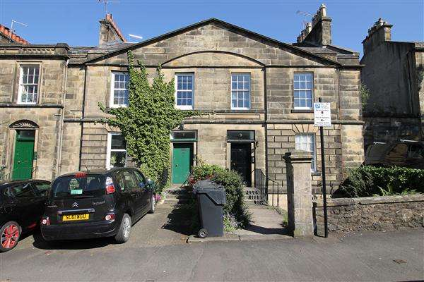 3 Bedrooms Property for sale in Allan Park, Stirling