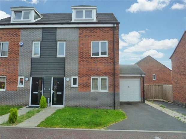 3 Bedrooms Semi Detached House for sale in Friars Way, Newcastle upon Tyne, Tyne and Wear