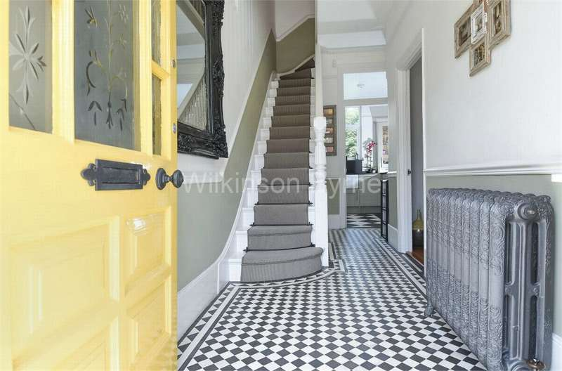 3 Bedrooms Terraced House for sale in Melbourne Avenue, Bowes Park