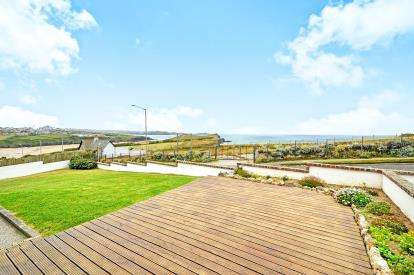 4 Bedrooms Bungalow for sale in Porth, Newquay, Cornwall