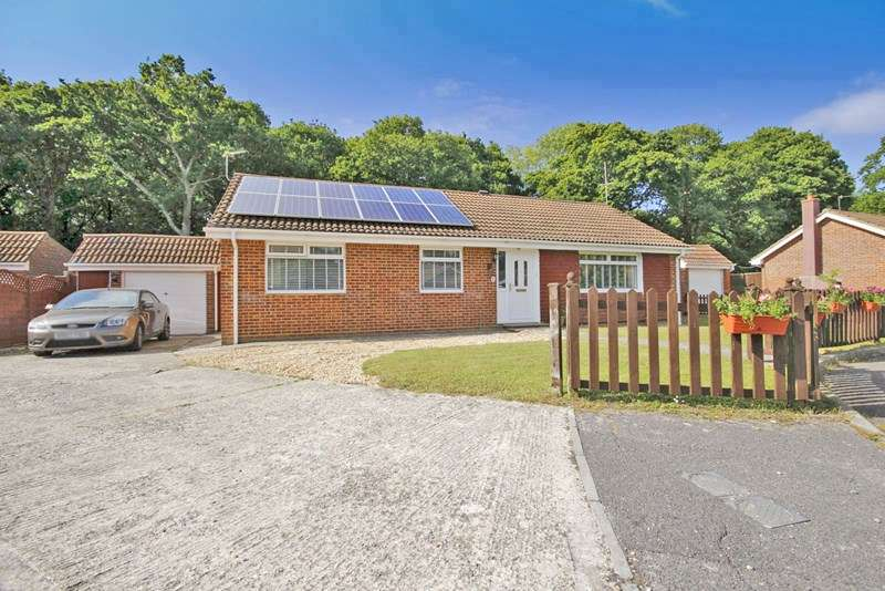 3 Bedrooms Detached Bungalow for sale in Bramble Way, Bransgore, Christchurch