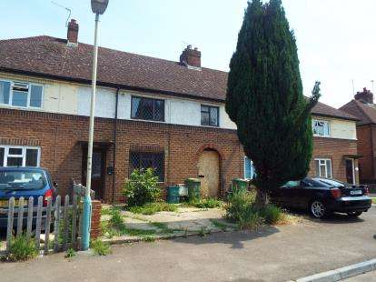 3 Bedrooms Terraced House for sale in Moors Avenue, Cheltenham, Gloucestershire