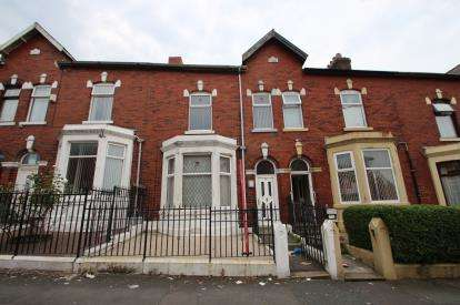 3 Bedrooms Terraced House for sale in Lancaster Place, Blackburn, Lancashire, BB2