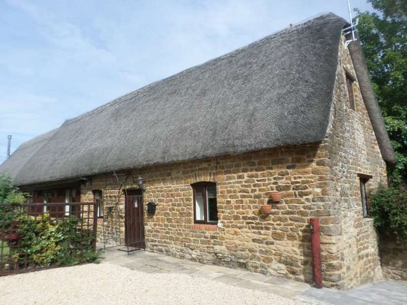 2 Bedrooms Cottage House for rent in Heyford Cottage, Freehold Street, Lower Heyford