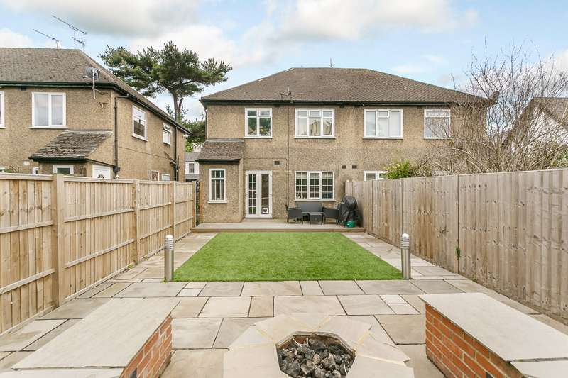 2 Bedrooms Maisonette Flat for sale in Oatlands