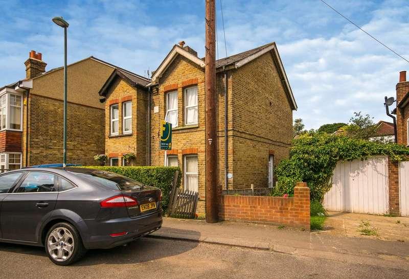 1 Bedroom Maisonette Flat for sale in Shorts Road, Carshalton, SM5