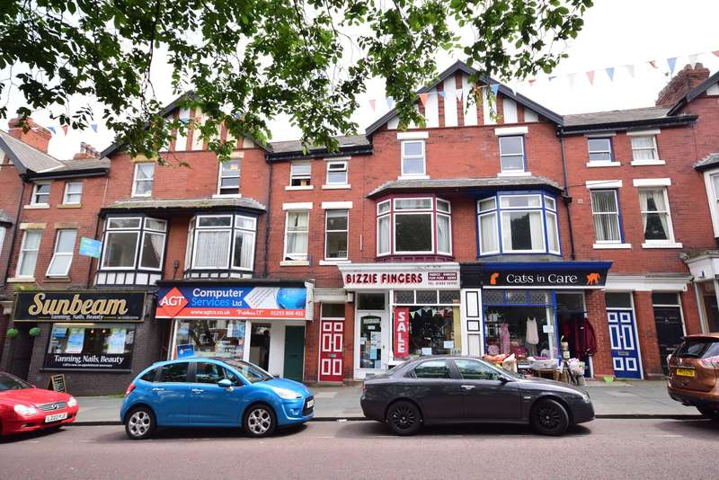 2 Bedrooms Flat for sale in The Crescent, Lytham St Annes, FY8