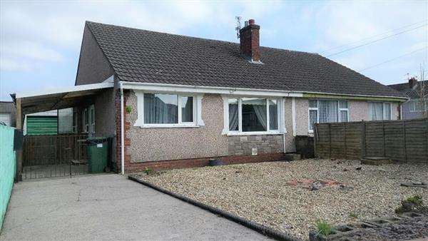 2 Bedrooms Bungalow for sale in Heol Undeb, Pontypridd