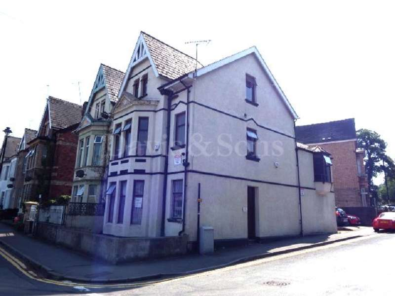 5 Bedrooms Semi Detached House for sale in Godfrey Road, CIty Centre., Newport. NP20 4NX