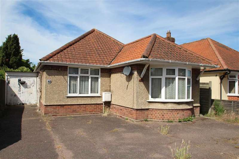 3 Bedrooms Bungalow for sale in Sherbourne Avenue, East Ipswich, Ipswich