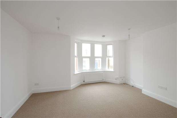 2 Bedrooms Maisonette Flat for sale in Friezewood Road, Ashton, Bristol, BS3 2AD