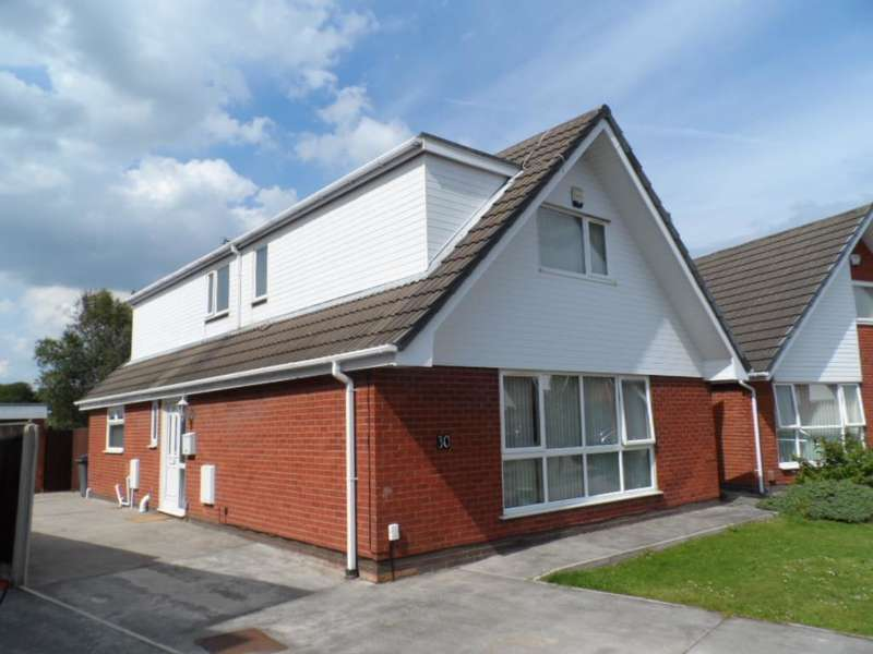 4 Bedrooms Detached Bungalow for sale in Avondale Crescent, Blackpool, FY4 5AS