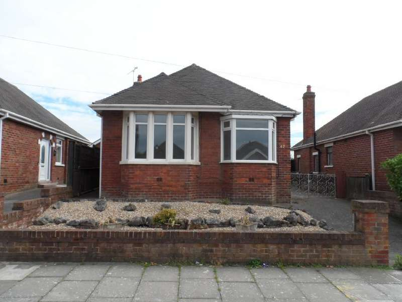 2 Bedrooms Detached Bungalow for sale in Cambray Road, Blackpool, FY1 2LX