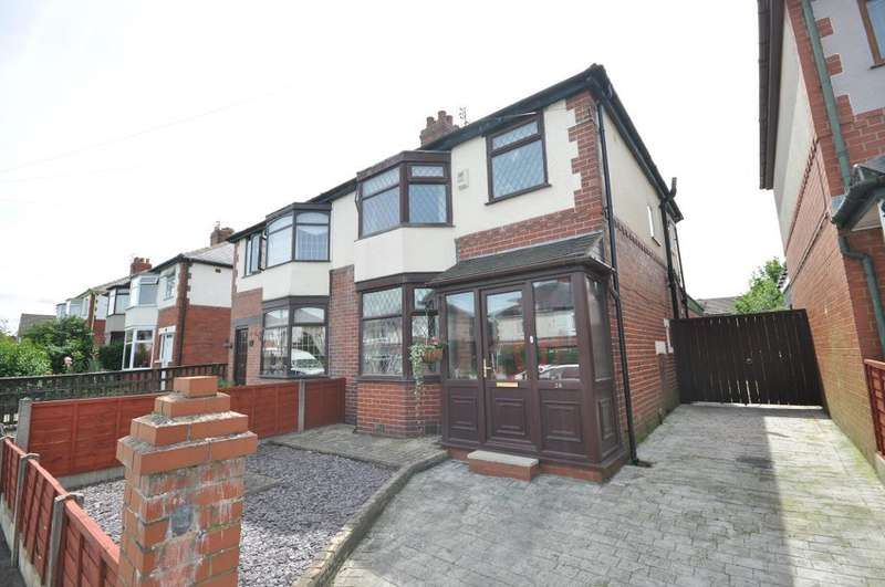 3 Bedrooms Semi Detached House for sale in Whitemoss Avenue, Blackpool, Lancashire, FY3 8QA