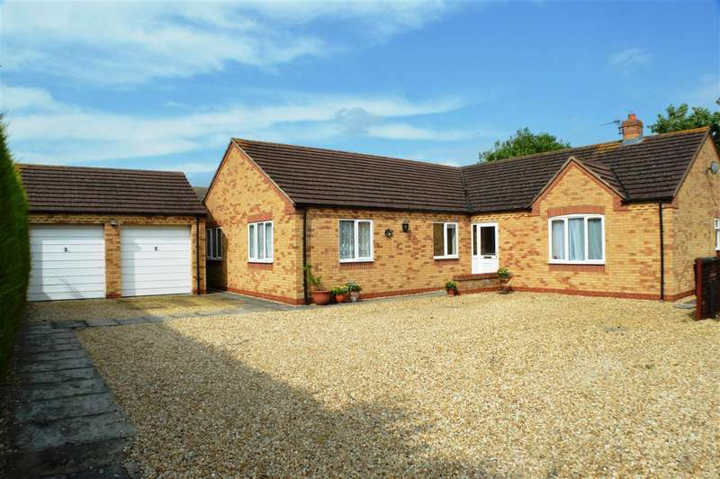 4 Bedrooms Bungalow for sale in Millview Road, Ruskington