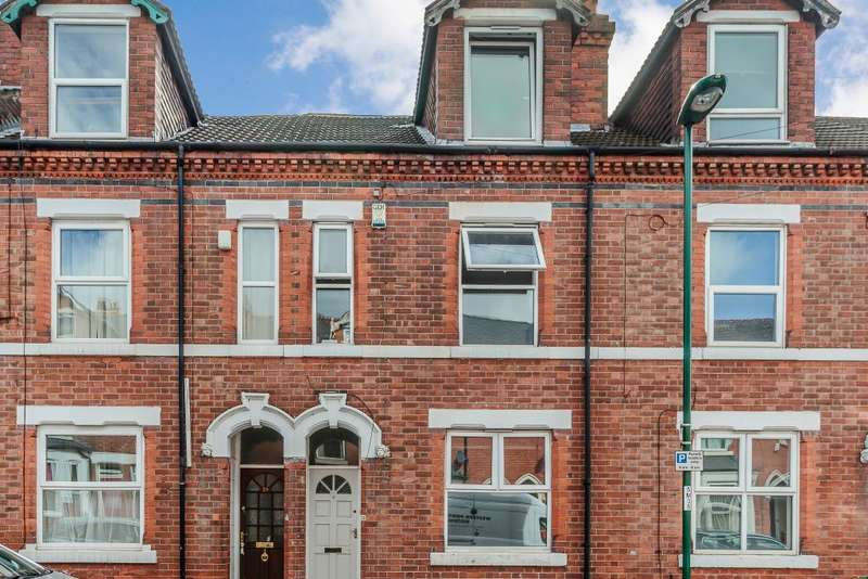 3 Bedrooms Terraced House for sale in Manor St, Nottingham, Nottinghamshire NG2