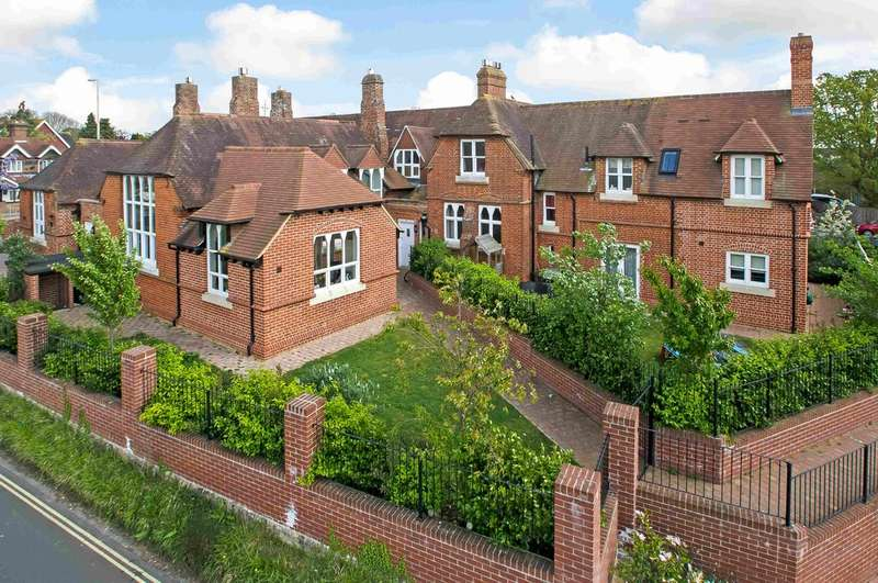 3 Bedrooms Mews House for sale in Bedhampton, Hampshire