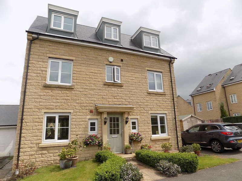 5 Bedrooms Detached House for sale in Carr Road, Buxton