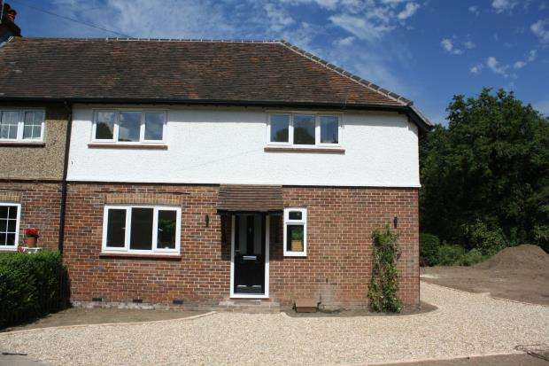 4 Bedrooms Semi Detached House for sale in Clandon Road, Send, Woking