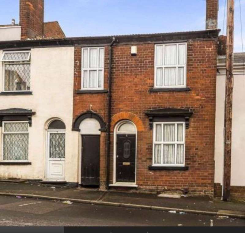 3 Bedrooms Terraced House for sale in Caroline Street, Dudley