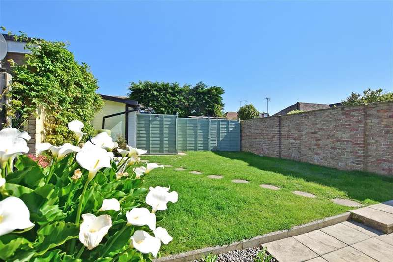3 Bedrooms Semi Detached House for sale in Parham Close, Rustington, West Sussex