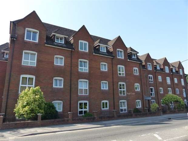 1 Bedroom Flat for sale in Regal Court, Warminster