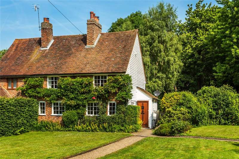 3 Bedrooms Semi Detached House for sale in Doggetts Cottages, Blackberry Lane, Lingfield, Surrey, RH7