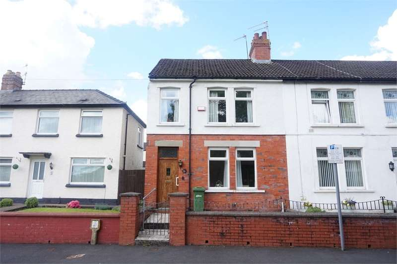 3 Bedrooms Semi Detached House for sale in Thorncombe Road, BLACKWOOD, NP12