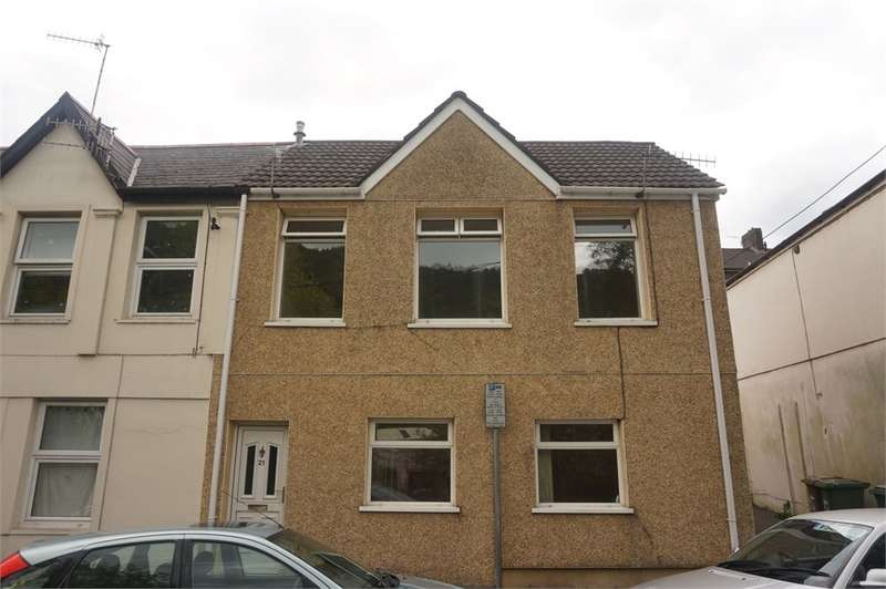 4 Bedrooms Semi Detached House for sale in Bridge Street, Abercarn, Newport, NP11