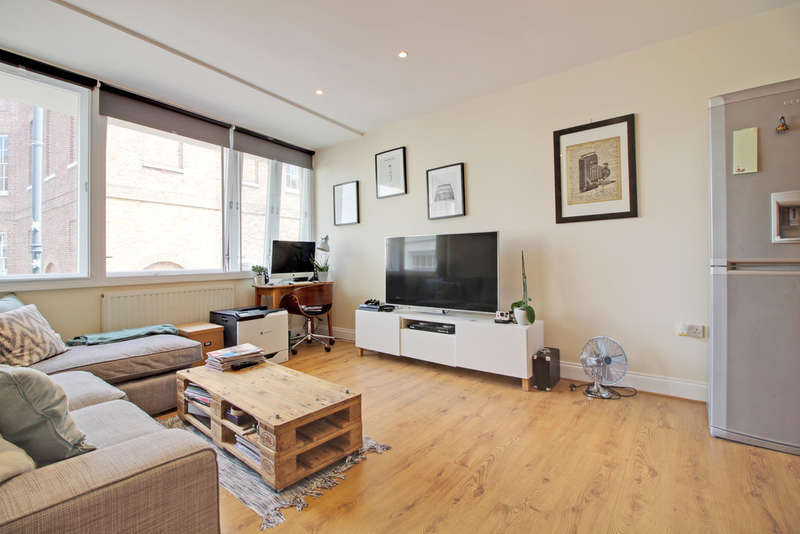 1 Bedroom Flat for sale in Evron Wharf, Hertford