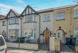 3 Bedrooms Terraced House for sale in Detling Road, Northfleet, Gravesend, Kent