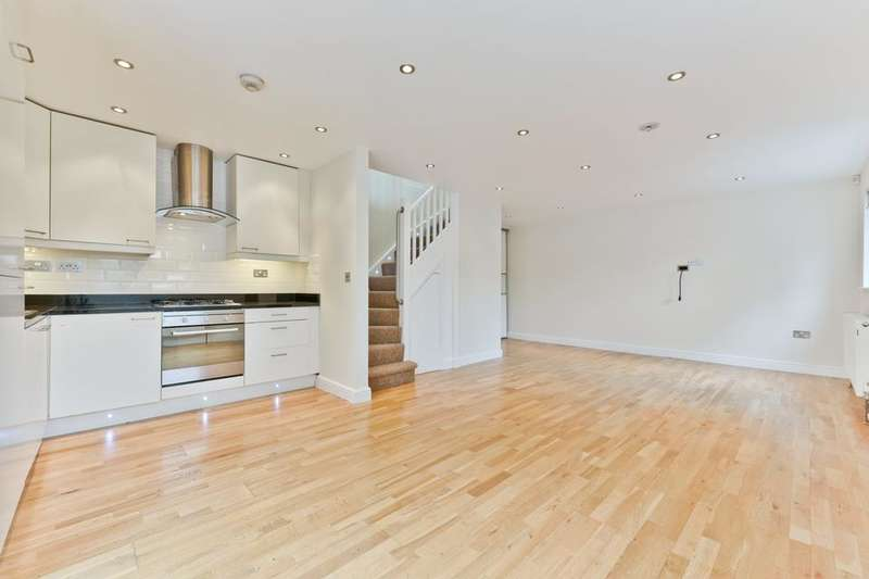 2 Bedrooms Detached House for sale in Haselbury Road, London N18