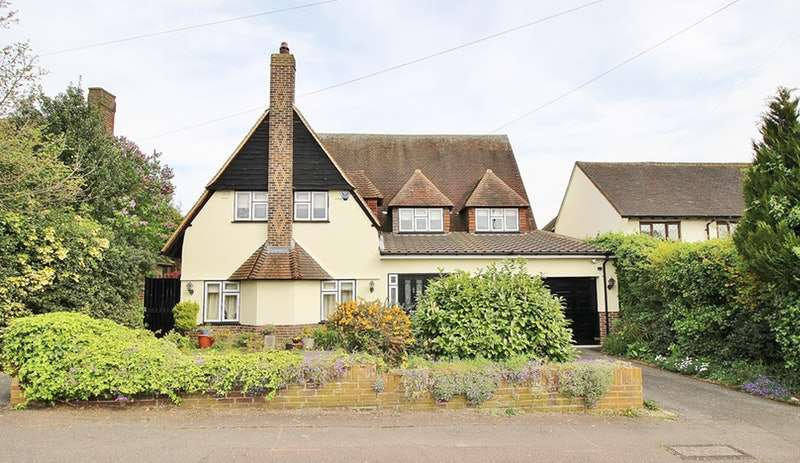 5 Bedrooms Detached House for sale in CHESTER ROAD, CHIGWELL, Essex, IG7