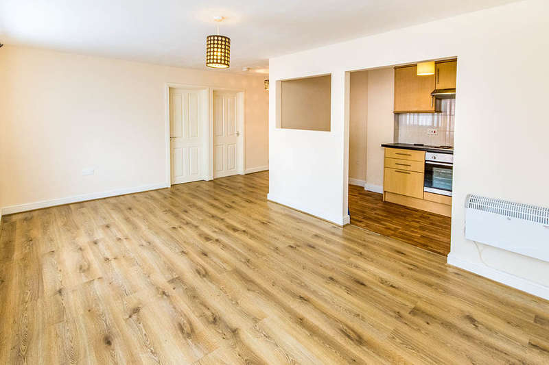 2 Bedrooms Flat for sale in Swift Gardens, Lincoln, LN2