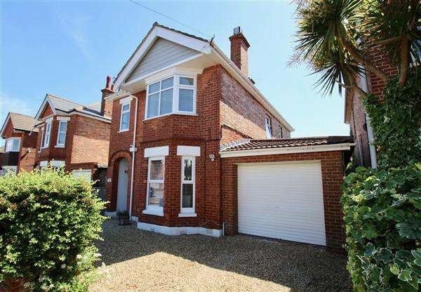 5 Bedrooms Detached House for sale in Myrtle Road, Bournemouth