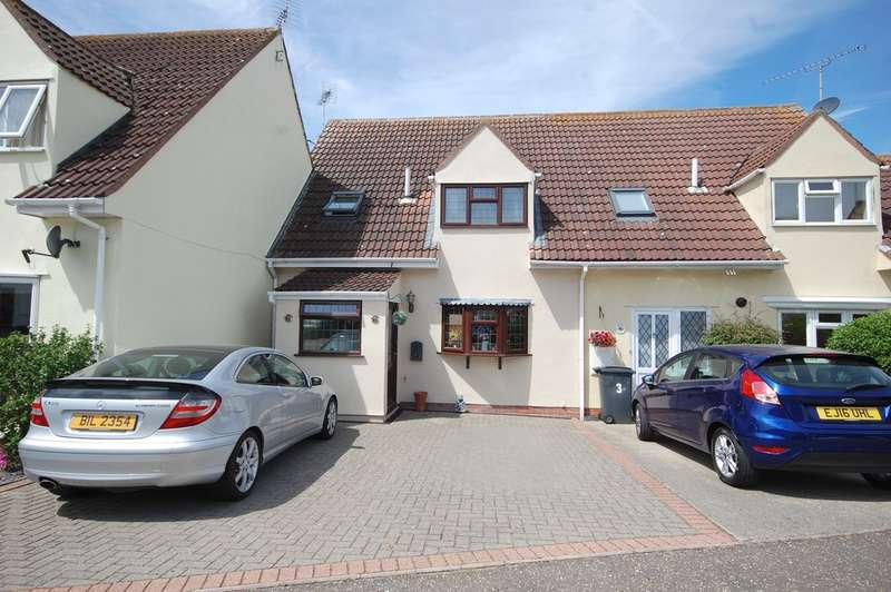 4 Bedrooms Terraced House for sale in Churchill Rise, Springfield, Chelmsford, CM1