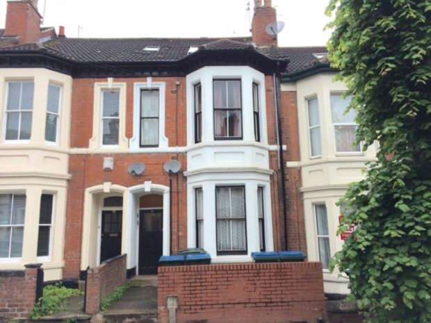 Terraced House for sale in Middleborough Road, Coundon, Coventry