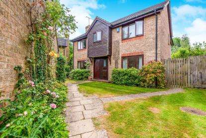 5 Bedrooms Detached House for sale in Mill Lane, Brackley, Northamptonshire