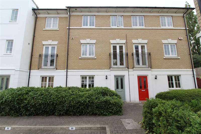 3 Bedrooms Town House for sale in George Williams Way, Colchester