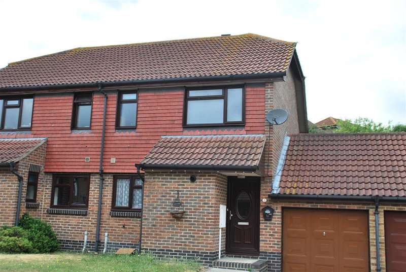 3 Bedrooms Semi Detached House for sale in PEAL CLOSE, HOO ST. WERBURGH