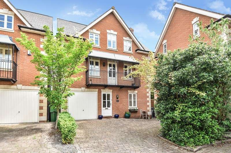 3 Bedrooms Detached House for sale in Chancery Mews, Bromsgrove