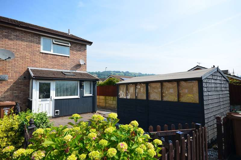 2 Bedrooms Semi Detached House for sale in Clos Pantglas, Trethomas, Caerphilly, CF83