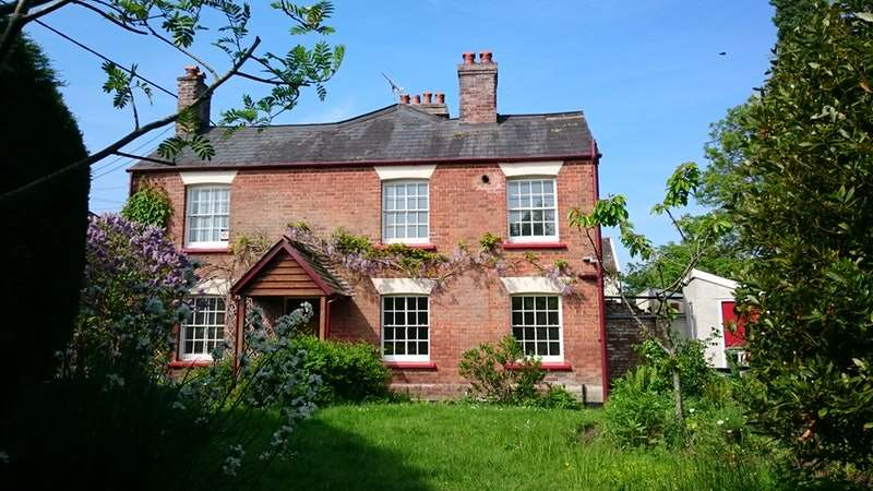 2 Bedrooms Cottage House for sale in Fore Street, IDE, Devon, EX2
