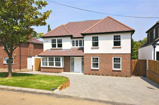 5 Bedrooms Detached House for sale in Links Drive, RADLETT, Hertfordshire