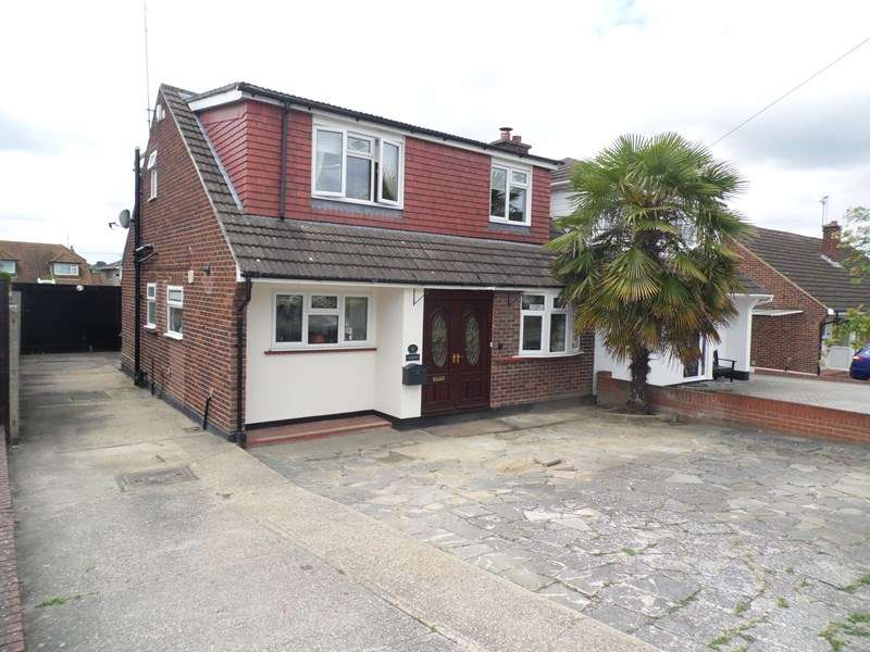 4 Bedrooms Semi Detached House for sale in Eastcheap, Rayleigh
