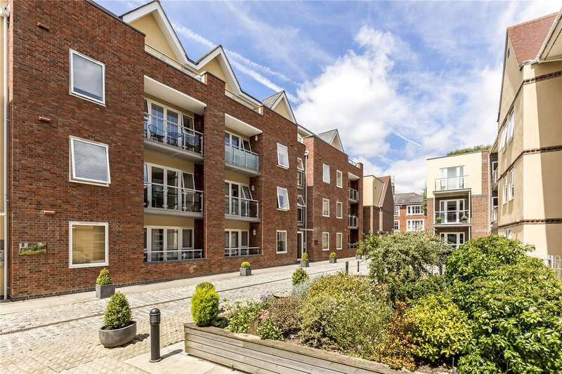 1 Bedroom Flat for sale in Shippam Street, Chichester, West Sussex, PO19