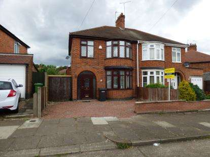 3 Bedrooms Semi Detached House for sale in Parvian Road, Leicester, Leicestershire