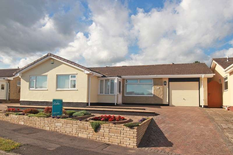 3 Bedrooms Detached Bungalow for sale in Hestan Close, St Catherines Hill, Christchurch