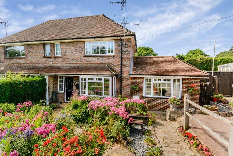 3 Bedrooms Semi Detached House for sale in Ewhurst
