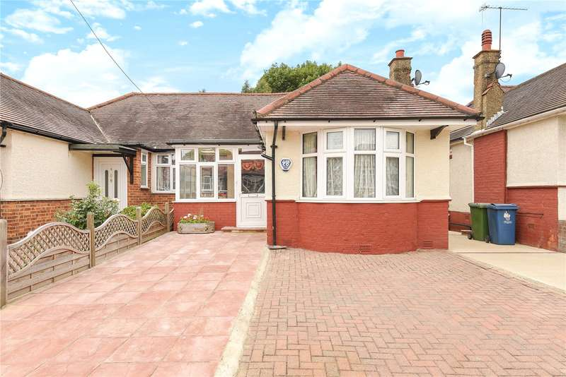 3 Bedrooms Bungalow for sale in Ferring Close, Harrow, Middlesex, HA2